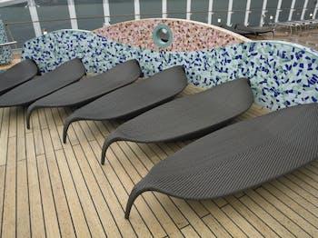 Pools onboard the MSC Splendida - Cruiseline.com